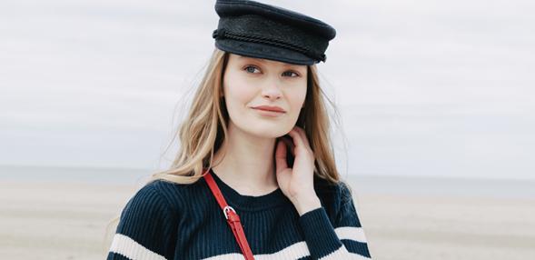 Perfektní námořnický svetr